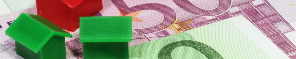 Immobilienpreise Berlin Spandau Haeuser Geldscheine