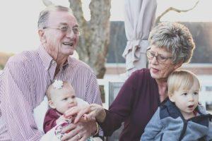 Foto Grafik Großeltern Oma Opa Enkel
