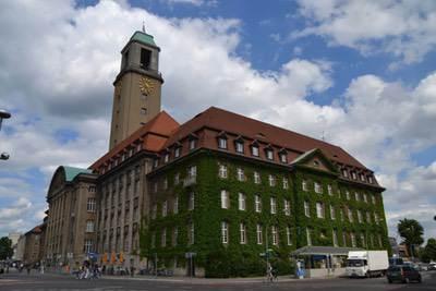 Foto Grafik Rathaus Berlin Spandau