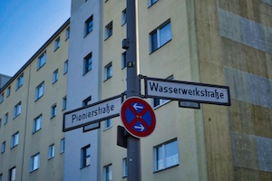 wasserwerkstraße pionierstraße verkehrsschild wohnung