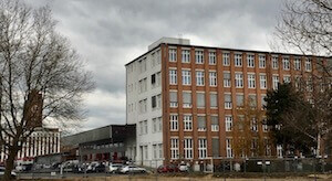 wohnblock berlin parkplatz