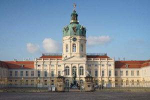 charlottenburg schloss eingang historisch