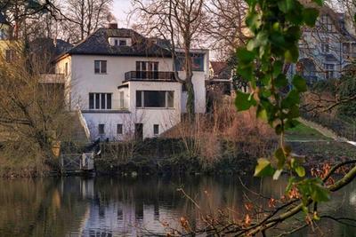 Villa Wasser Fluss Grün