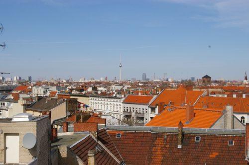 daecher fernsehturm panorama berlin neukoellen