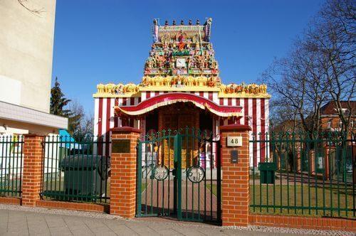 Britz Murugan Tempel bunt zaun 48