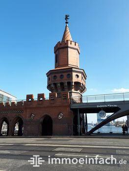 Friedrichshain Oberbaumbruecke Turm s bahn