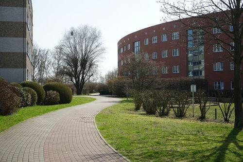 wohnung Maerkisches Viertel gehweg wohnhaus