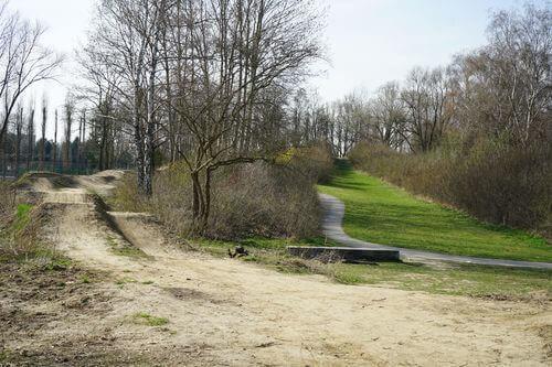 Märkisches Viertel Crossbike Bahn park