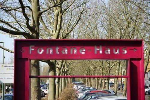 Maerkisches Viertel Fontane Haus pfeiler
