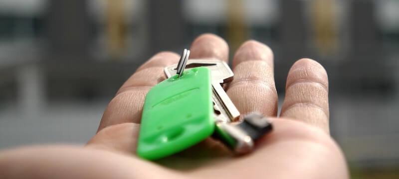 Schlüsselübergabe einer Wohnung