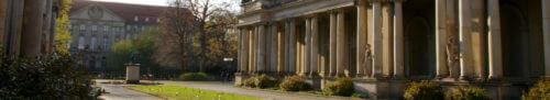 berlin schoeneberg saeulen skulpturen