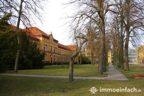 Biesdorf Berlin UKB Park grün