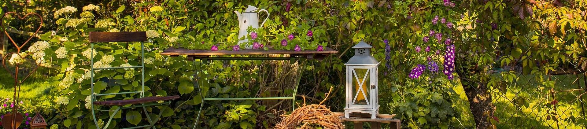 Gartentisch Garten Mittelpunkt