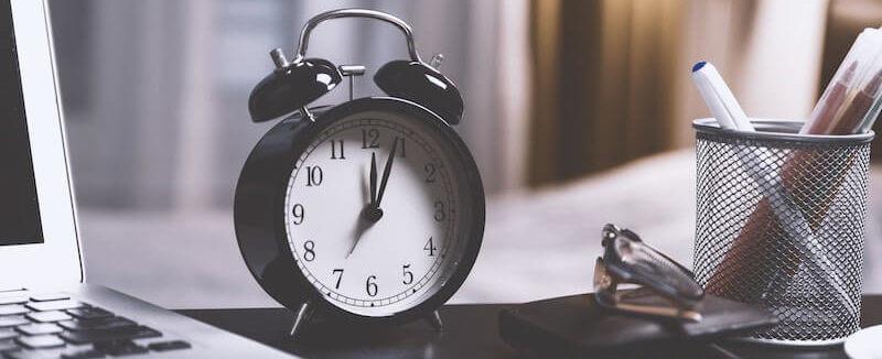 Wecker Zeit Rechnen - Haus verkaufen und wohnen bleiben