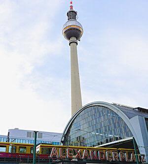 Alexanderplatz Fernsehturm S Bahn Berlin