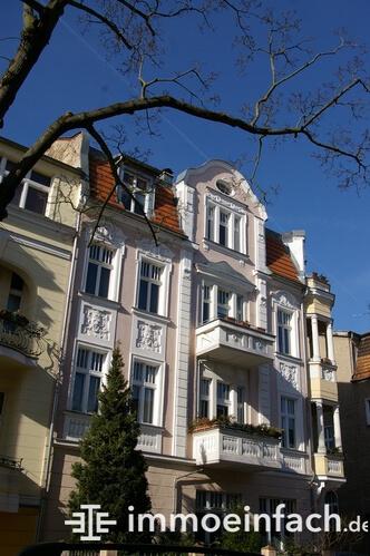 Altbau Häuserfront Karlshorst Berlin