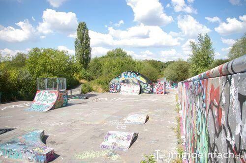 marienfelde skaterpark rampen graffiti beton