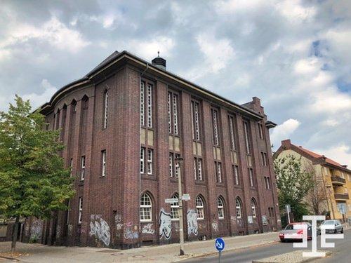 berlin oberschönweide gebäude graffiti