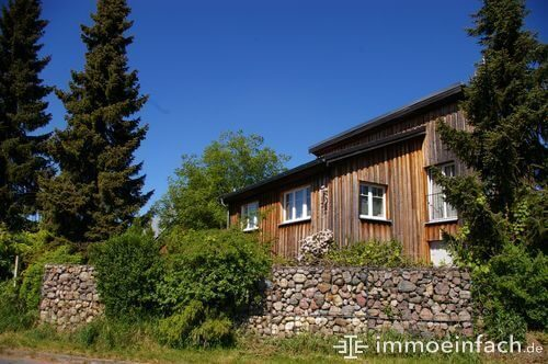 holzhaus steinzaun immobilie rosenthal