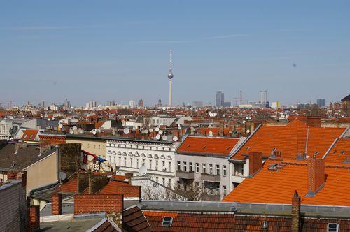 panorama über neukölln mit fernsehturm