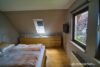 Einfamilienhaus in zweiter Reihe - Hell und ruhig - OG Schlafzimmer 02